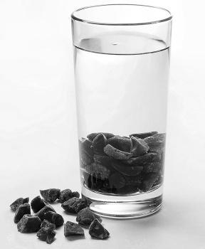 ŠUNGITOVÁ DRŤ (1 - 3 cm) 100g šungit,drť,energie,života,voda,květ života
